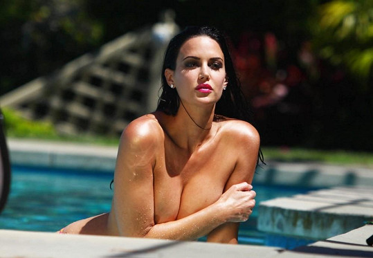 Tiffany Taylor je krásná jako obrázek.