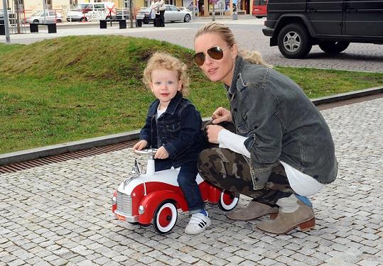 Ale Max také trval na novém vozítku.