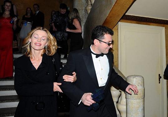 Ondřej Vetchý přišel na předávání Českých lvů s manželkou, která má nový účes.