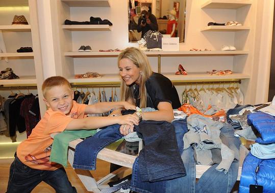 Někdy je to s kluky během nákupů boj.