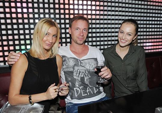 Tomášovi přišli popřát Dominika Mesarošová, Zdeněk Style Hrubý a Renata Langmannová.