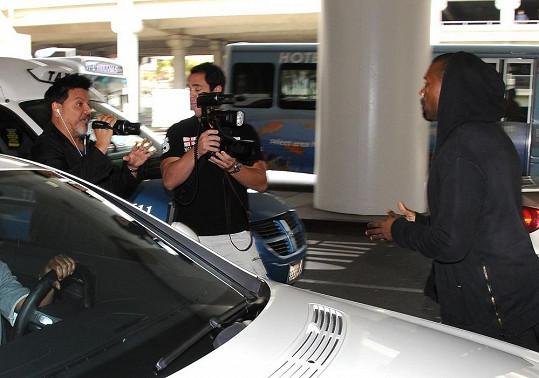Kanye West v Los Angeles.