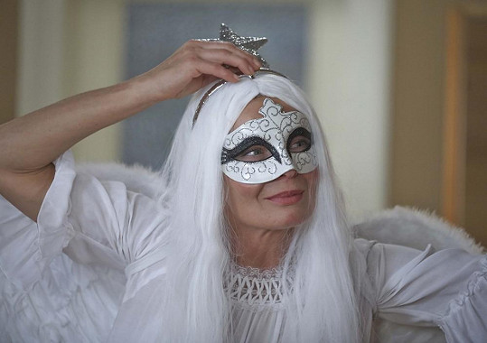 Vilma Cibulková se za anděla převlékla ráda.