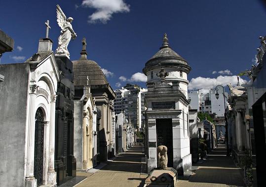 Hřbitov La Recoleta je pozoruhodným místem v Buenos Aires.