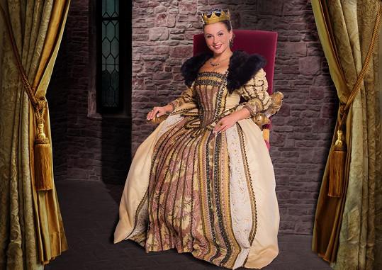 Dana Morávková jako královna.