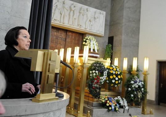 Na pohřbu řečnila Yvonne Přenosilová.