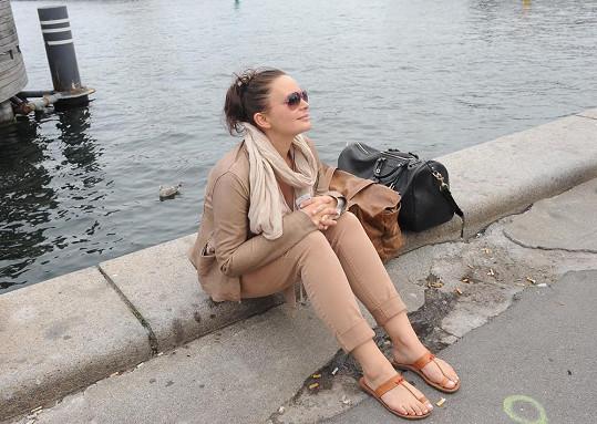 Jitka Čvančarová si musela na chvilku odpočinout.