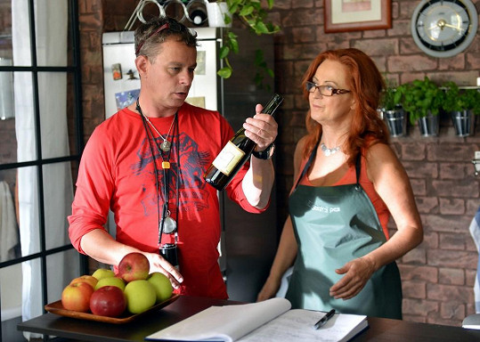 Simona Stašová s Filipem Renčem na place