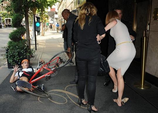 Fotograf Carl Wu srazil herečku před hotelem v New Yorku.