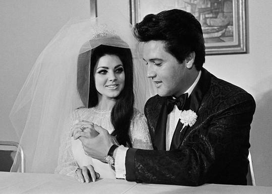 Priscilla v den, kdy si brala Elvise Presleyho.
