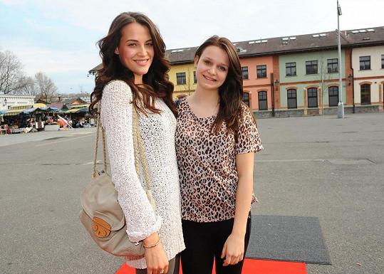 Kateřina Sokolová s nevlastní sestrou Evou.