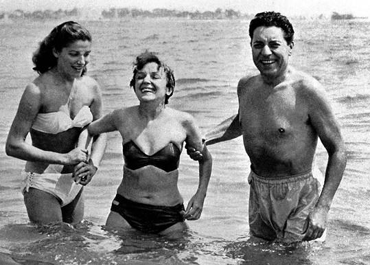 V roce 1951 s manželem Jacquesem Pillsem (vpravo)