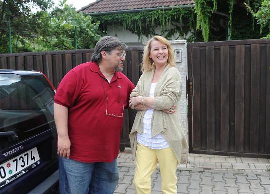 Iveta Bartošová s léčitelem Janem Saavedrou.