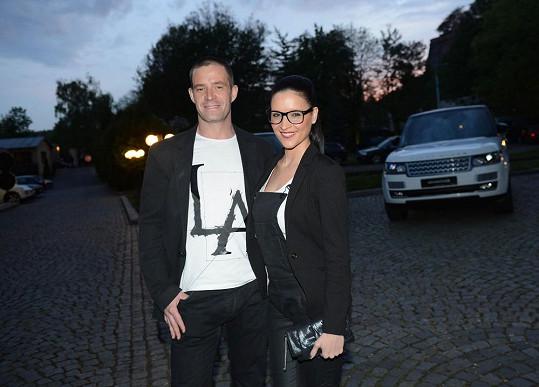 Nikola se nedávno rozvedla s Petrem Zvěřinou.