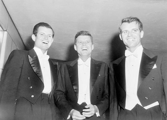 Ed, John i Bobby se nechali zlákat politikou...
