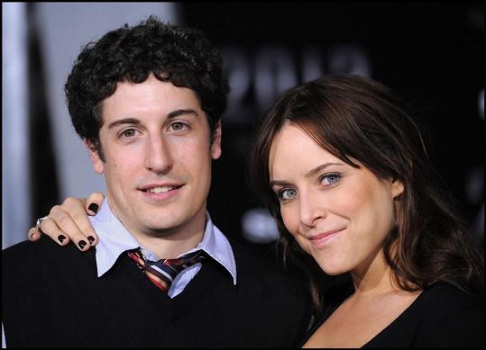 Jason Biggs s manželkou Jenny Mollen.