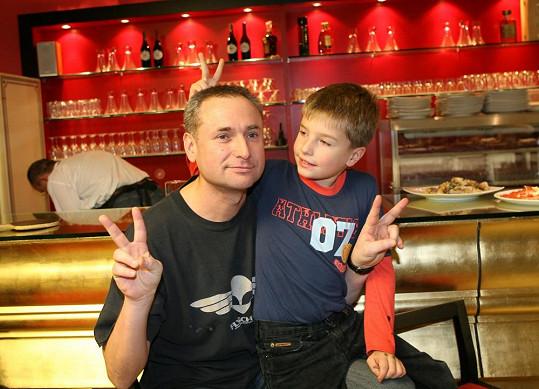 Richard se synem Oskarem, který je zde ještě malý kluk.