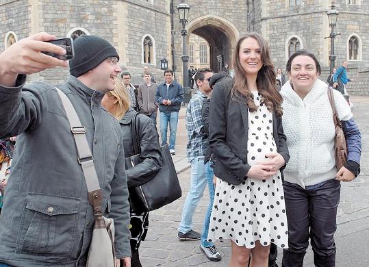 Jako dvojnice princezny Kate se živí Gabriella Douglas.