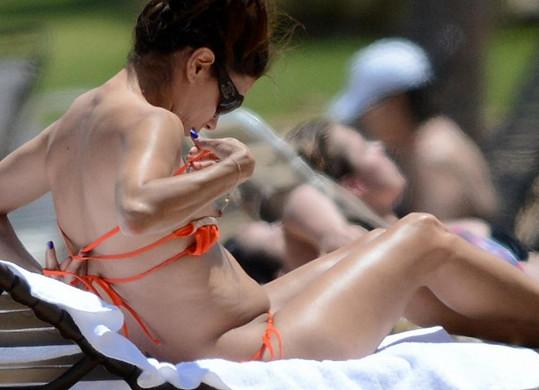 Herečka Eva Longoria tráví poslední dny na dovolené.
