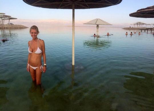 Tara Reid u Mrtvého moře