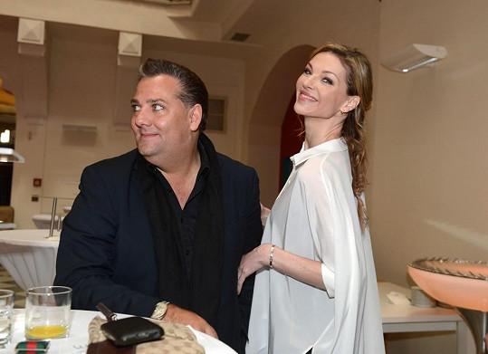 Pavlína s ředitelem své domovské agentury Sašou Jánym.