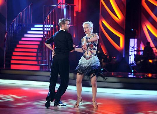 Anička se svým tanečním partnerem Michalem Kurtišem.