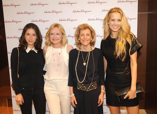 Vnučka Salvatore Ferragama, paní Lenka Vejvalková z Prospekta Moda, Giovanna Ferragamo a Petra Němcová