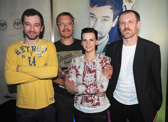 Ondřej Sokol, David Matásek, Zuzana Stavná a spoluautor scénáře a herec Martin Finger na tiskovce.