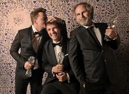 Petr Kolečko (scénář), Michal Reitler (producent) a Jan Prušinovský (režie) – nejlepší dramatický televizní seriál, Most!