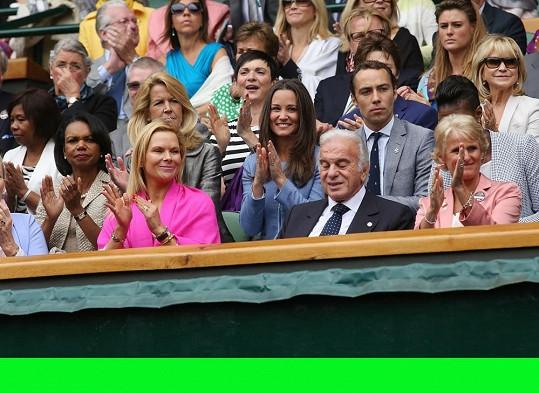 Pippa s bratrem a princeznou Michael z Kentu a Condoleezzou Rice.