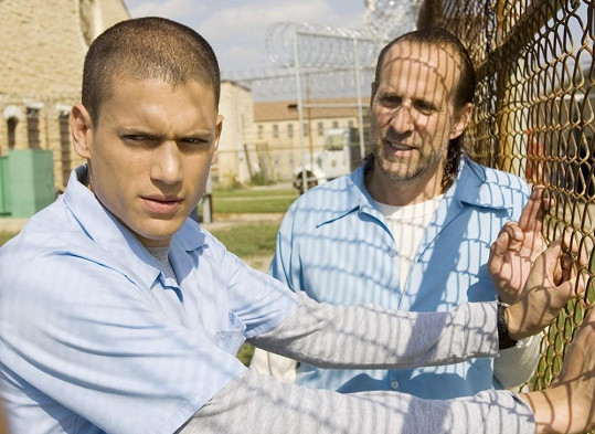 Britský herec v seriálu Útěk z vězení