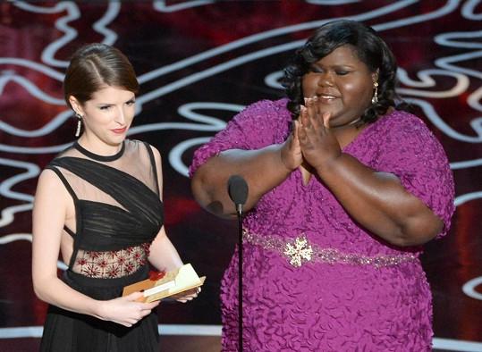 Sidibe předala Oscara za nejlepší střih.