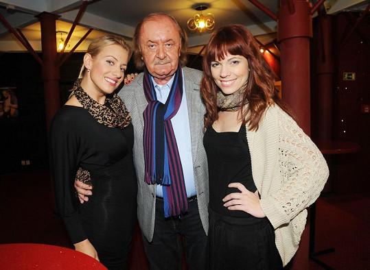 Tereza s Míšou Noskovou a partnerem Františkem Janečkem v GoJa Music Hall