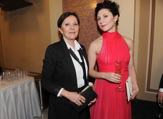 Termerová s dcerou Marthou Issovou