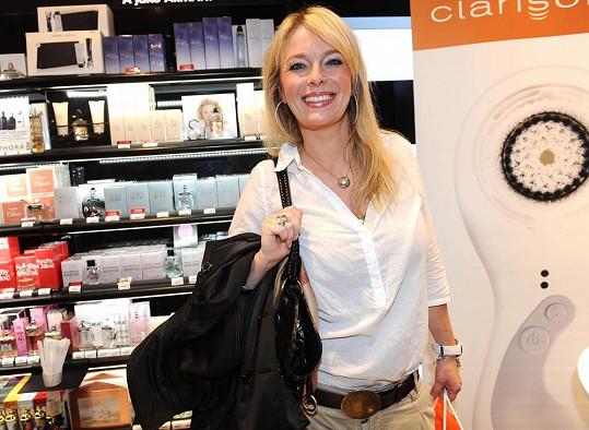 Lucie Benešová už zase nosí velikost 36.