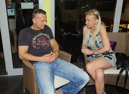 Svalovec Maxa přišel se svou manažerkou Zitou.