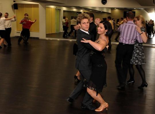Jan Onder a Kateřina Baďurová při společném tanci.