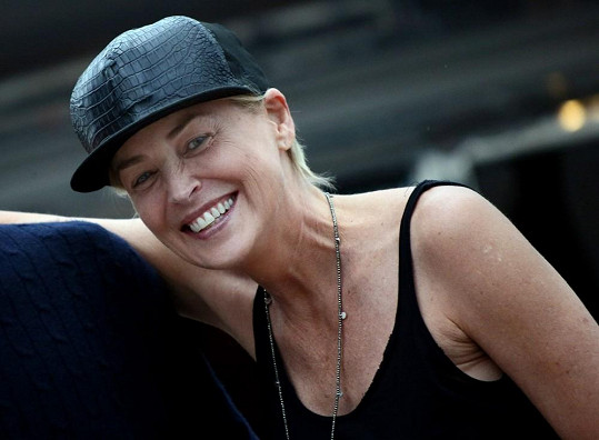 V Cannes Sharon Stone moc nezazářila.