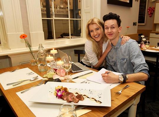 Naposledy jsme Českou Miss 2011 nachytali na valentýnské večeři se stylistou Michaelem Kováčikem. S tím ale nechodí.