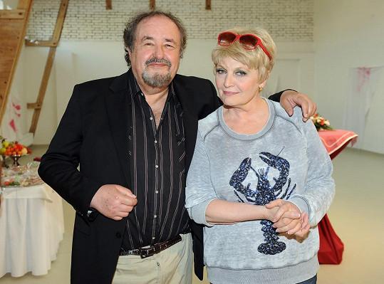 Petr Novotný s Reginou Rázlovou