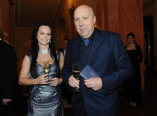 Veronika Blažková je nejen tiskovou mluvčí, ale i přítelkyní starosty Prahy 1 Oldřicha Lomeckého.