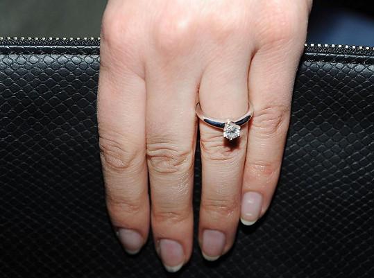 Zásnubní prsten je opravdu nádherný.