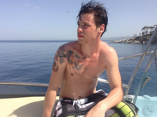 Daniel a jeho tetování Jokera.