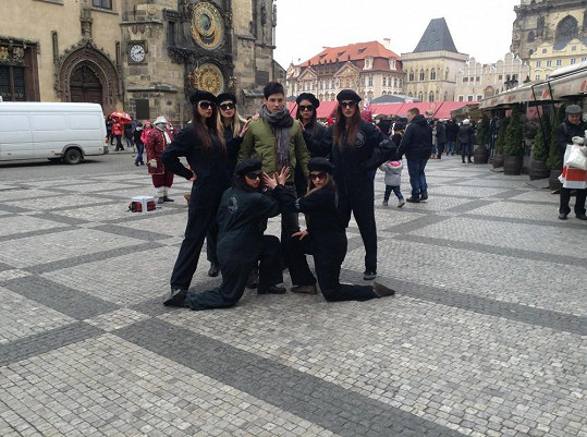 Skupinka došla na Staroměstské náměstí.