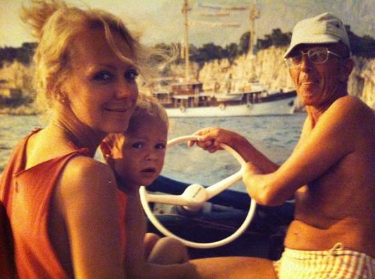Gabriela Osvaldová se svým synem Frantou Soukupem na archivním snímku.