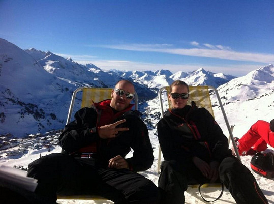 Denisa s přítelem Martinem na horách.