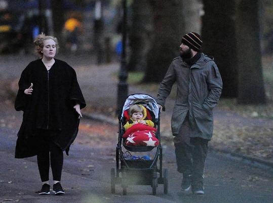 Adele, Simon Konecki a jejich roční chlapeček