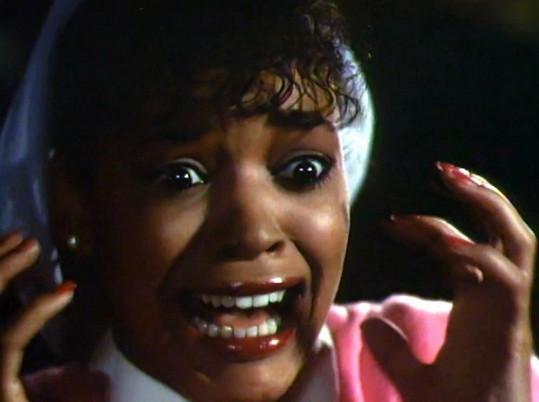 Bývalá modelka byla v klipu vystrašená po Michaelově proměně ve vlkodlaka.