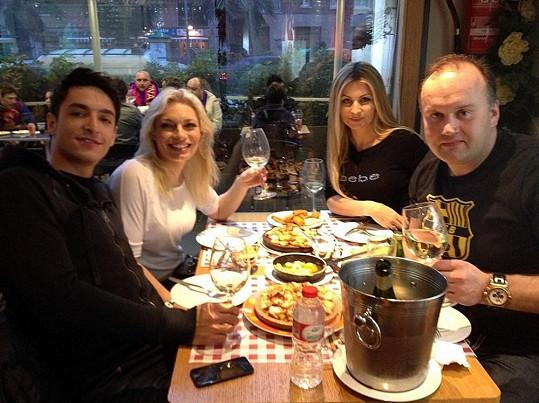 Marek Vít s přítelkyní Katty vzali Lucku a Michala na večeři.