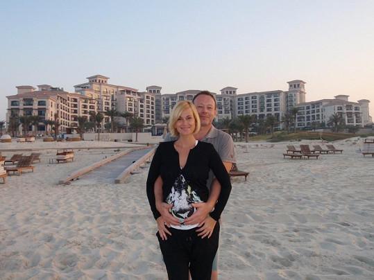 Lucie a Michal se plácli přes kapsu a zaplatili si dovolenou v luxusním pětihvězdičkovém hotelu.